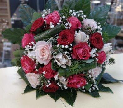 bouquet de fleurs amour roses rouge et rose